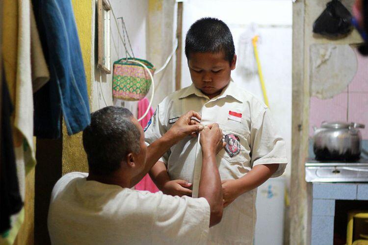 Inilah Nursaka, Bersekolah di negara tetangga, bantu ayah setelahnya, #AslinyaLo
