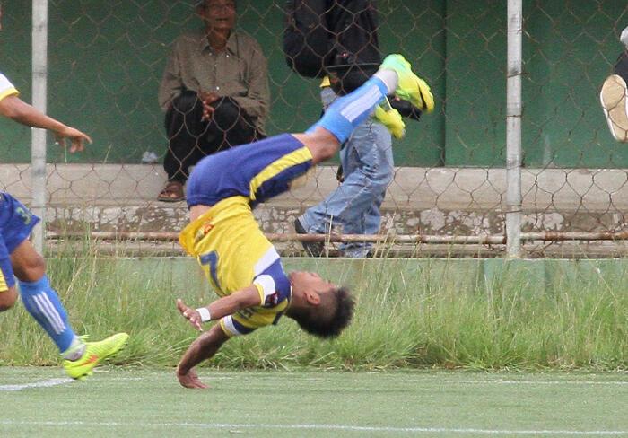 Selebrasi-selebrasi Maut di Sepakbola, Fatal Banget!