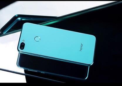 Honor 9i Smartphone Stylish Penghancur Xiaomi