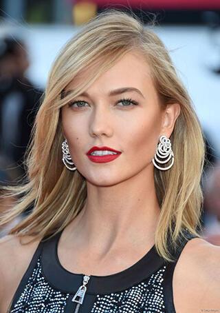 5 Model Cantik Victoria's Secret Yang Pernah Menghiasi Film Hollywood