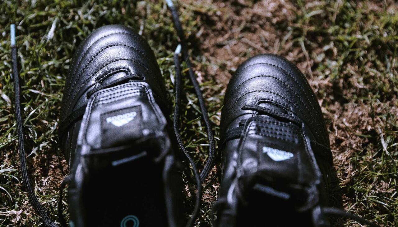 Copa Gloro, Sepatu Bola Tradisional Khas Adidas yang Terus Dijaga Eksistensinya
