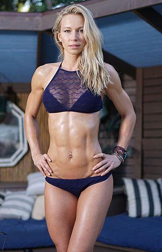 Potret Cantik Zuzka Light, Motivator Fitness Cantik Yang Dulunya Bintang Porno