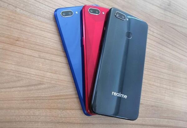 Kamera Realme 2 Bakal Bikin Agan yang Suka Foto Bahagia. Ini Alasannya