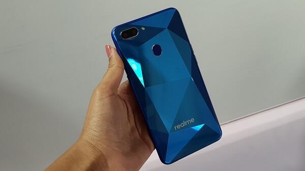 Realme 2 Paket Lengkap Desain, Performa dan Harga