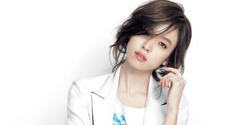 Tak Seorangpun Bisa Mengalihkan Pandangan! 5 Artis Korea Tercantik!