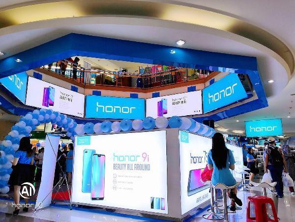 Menuju Tiga Besar di Indonesia, Honor Meresmikan Official Store Pertamanya di Jakarta