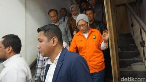 Atiqah Hasiholan Diancam Diperkosa, Ini Pengakuan Pengacara Ratna