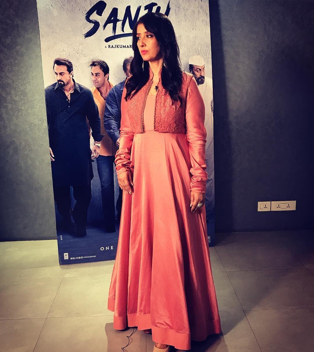 27 Tahun Berkarir di Bollywood, Begini Kisah Hidup Manisha Koirala