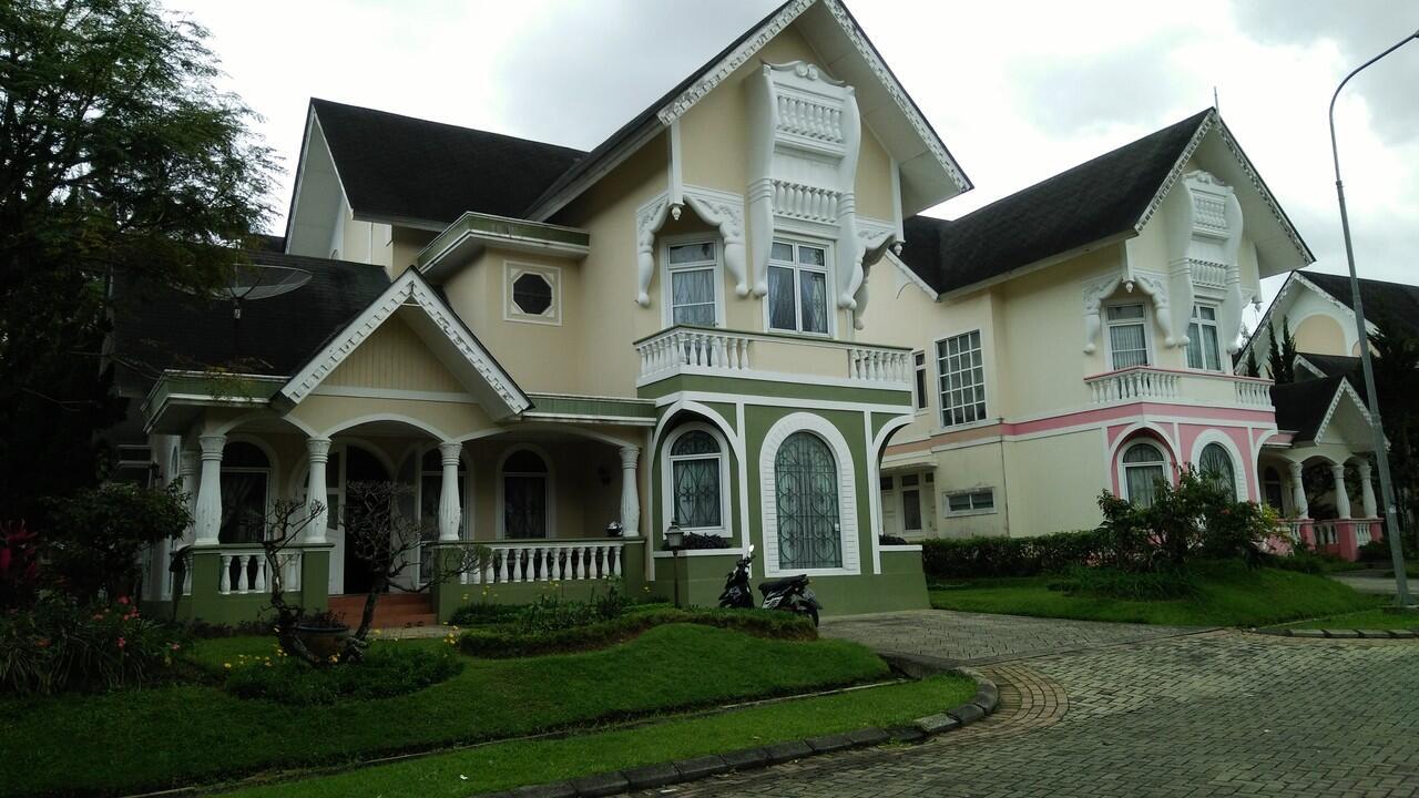 villa di sewakan dengan harga murah fasilitas lengkap