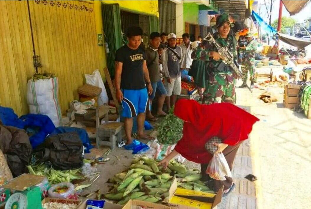 Dijaga Aparat TNI, Pasar Inpres di Kota Palu Mulai Bergeliat