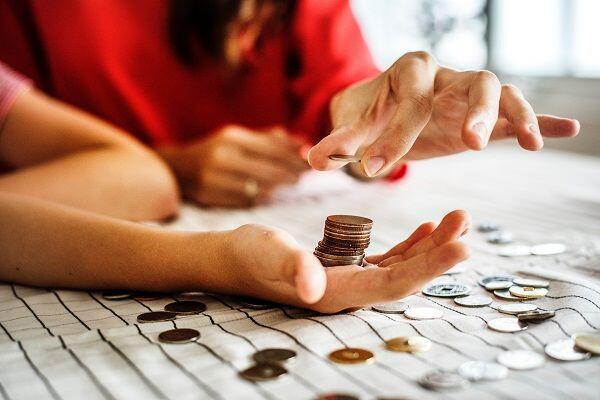 Terlalu Boros, 4 Zodiak Ini Sering Banget Kehabisan Uang
