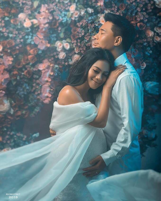 10 Gaya Maternity Shoot Rini Yulianti, Anggun dan Menawan
