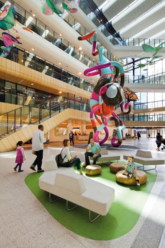 Desain Rumah Sakit Serba Pink yang Memanjakan Mata