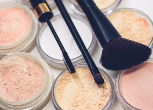 Ternyata Makeup Bisa Bikin Kanker