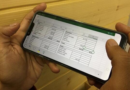Smartphone Bikin Malas-malasan Karyawan, Benar atau Salah Gan?