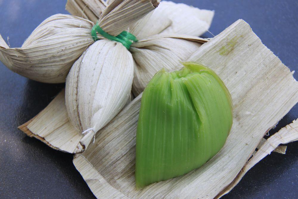 Selain Daun Pisang, 6 Daun Ini Juga Digunakan untuk Bungkus Makanan