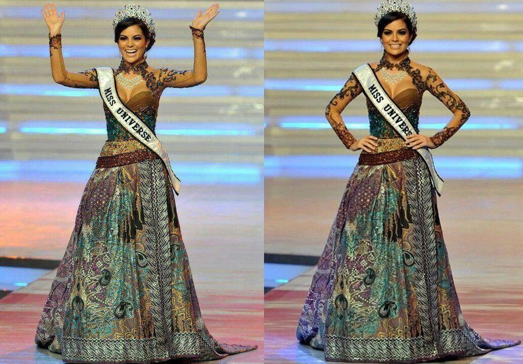 10 Potret Anggunnya Ratu Kecantikan Dunia Saat Kenakan Kebaya