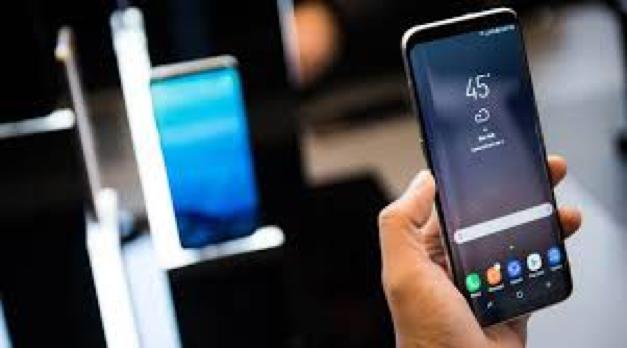 Samsung Yang Selalu Nanggung, Awas Bisa Digulung Sama Hp China