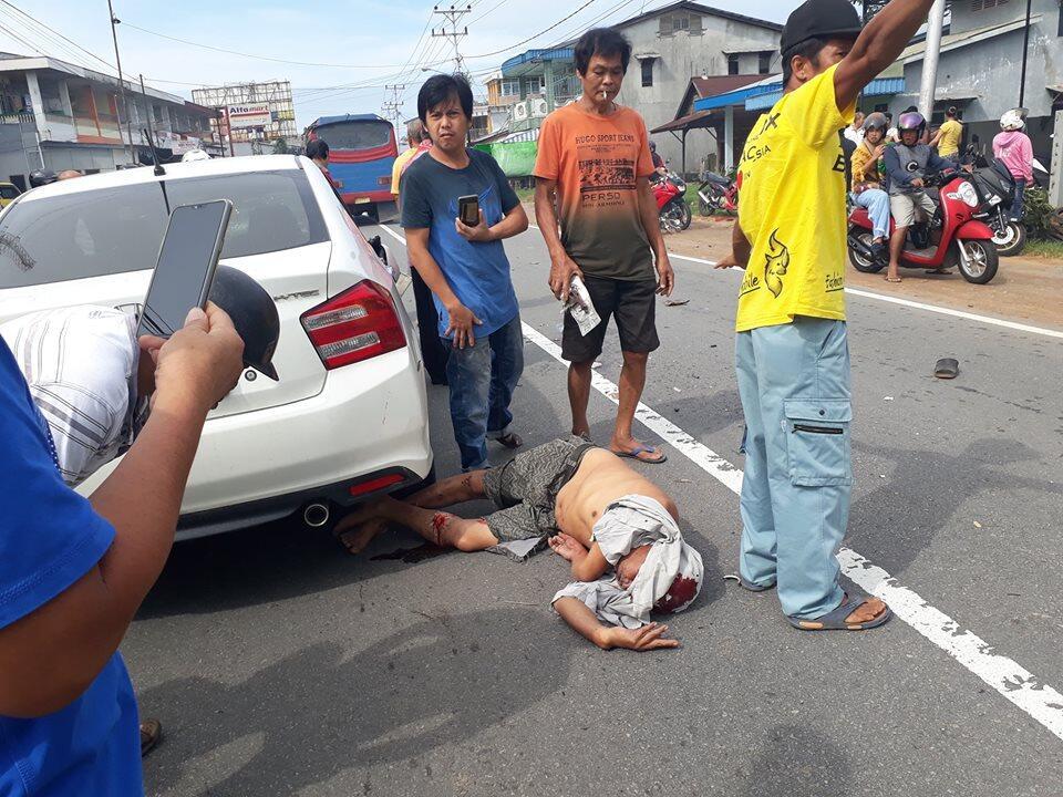 Kecelakaan di depan timbangan singkawang