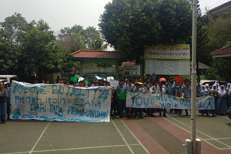 Siswa SMAN 87 Demo Bela Guru yang Dilaporkan Doktrin Anti-Jokowi