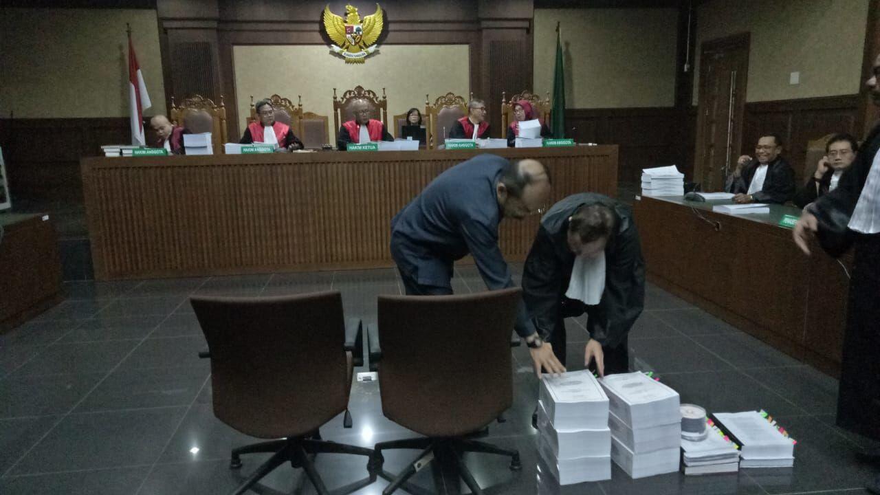Ajukan Banding, Hakim Tetap Hukum Fredrich Yunadi Tujuh Tahun Penjara