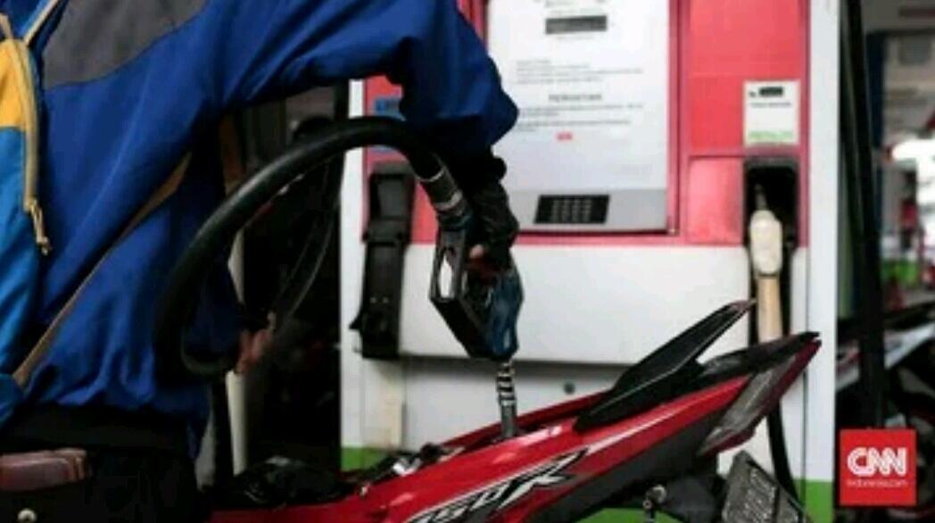 Andi Arief soal BBM Naik: Mana Tangisan PDIP?