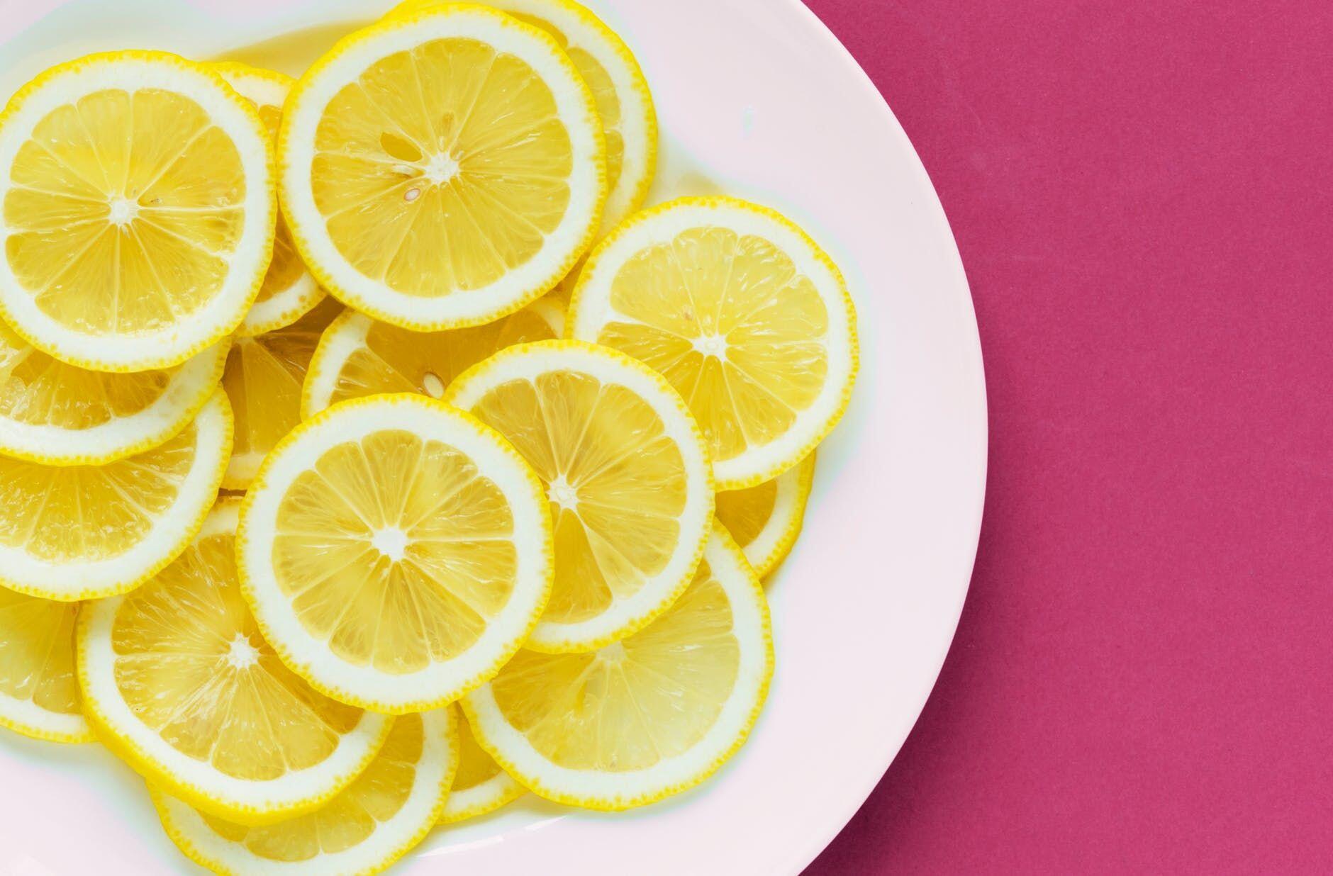 Ini 12 Cara Alami dan Mudah Memutihkan Gigi, Tanpa Perlu Bleaching!