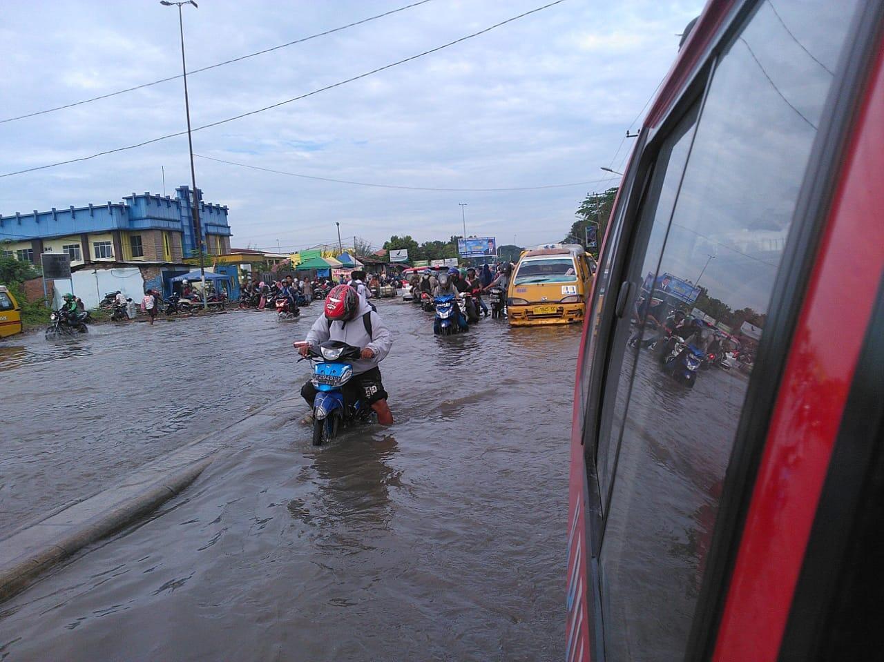 Ditanya Soal Banjir, Apa Kira-kira Jawaban Gubernur Sumut?