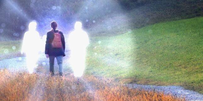 Mati Secara Medis, 5 Orang Ini Kembali Hidup dan Bercerita Tentang yg Mereka Lihat