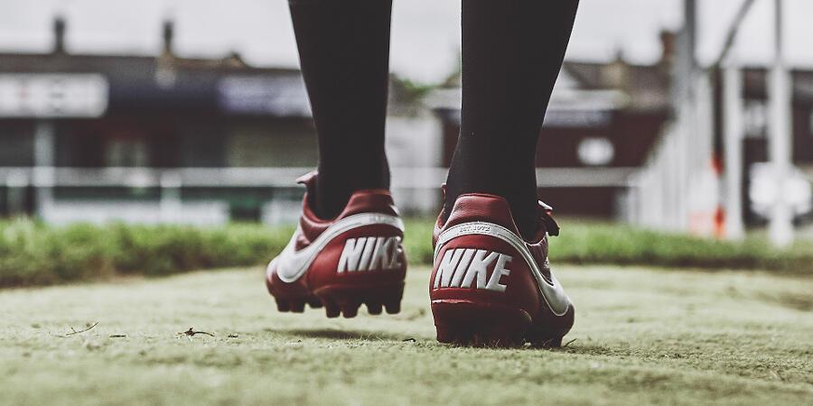 The Classic Copa Gloro Vs Premie 2.0, Adidas Vs Nike yang Vintage!
