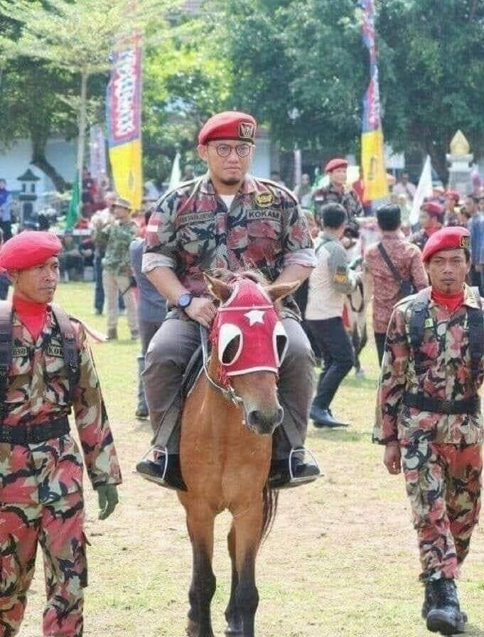 Konvoi Dahnil Anzar di Sukoharjo di BUBARKAN Bawaslu !!!
