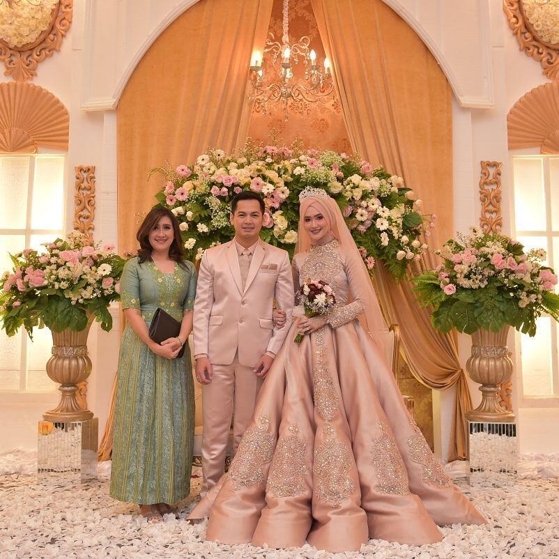 10 Inspirasi Gaun Pengantin Muslimah Bergaya Modern Bak Putri