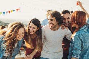 Iri Sama Postingan Liburan Teman Kamu di Media Sosial?