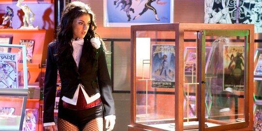 10 Superhero wanita terseksi yang jadi pujaan para pecinta komik dan film