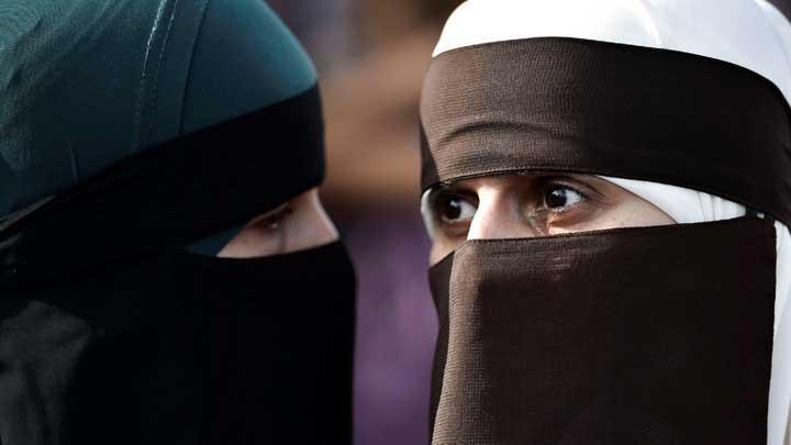 11 Negara yang Melarang Pemakaian Cadar dan Burqa