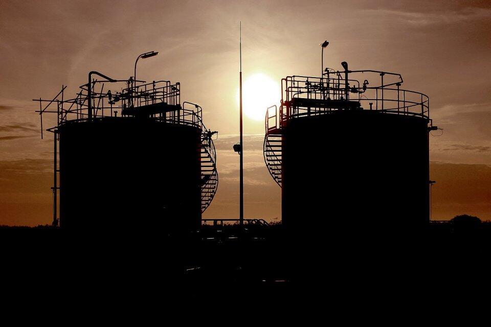 Demi Cadangan Devisa, Pertamina Bayar Minyak Petronas Pakai Rupiah