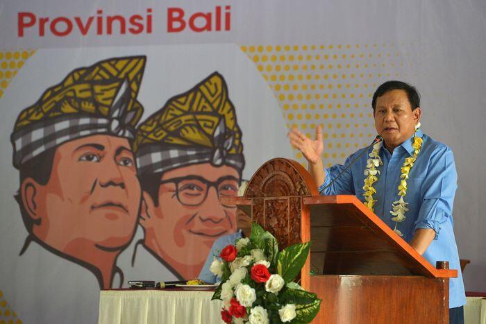 Mengecek data kemiskinan rujukan Prabowo