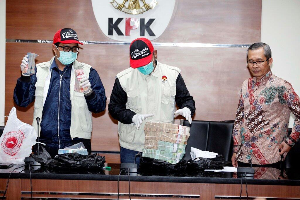Bupati Cirebon Memalak Lurah Hingga Camat
