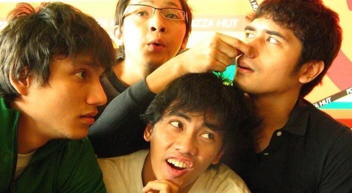 6 Film Besutan Hanung Barmantyo di Era 2000-an yang Sayang Dilewatkan