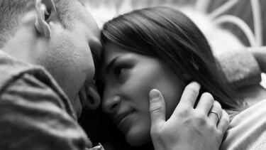 7 Sikap Unik Wanita yang Bikin Pria Tergoda