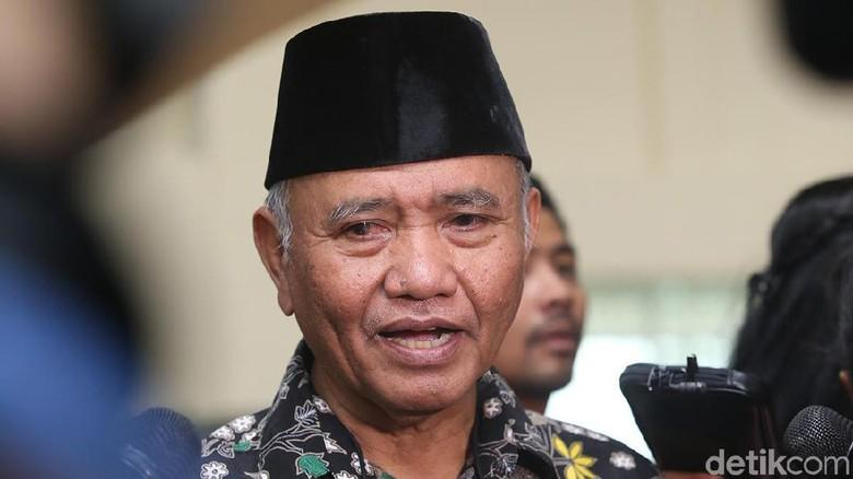 Diadu Domba, KPK-Polri Buru Pembuat Surat Palsu Panggilan Tito