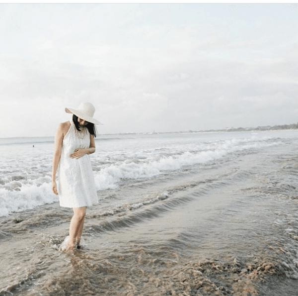 Manis dan Kece, Intip 9 Potret Fanny Fabriana saat Babymoon di Bali