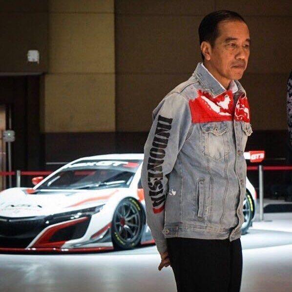 Hobi Jokowi Belanja Produk Lokal, Mulai dari Jaket Hingga Motor