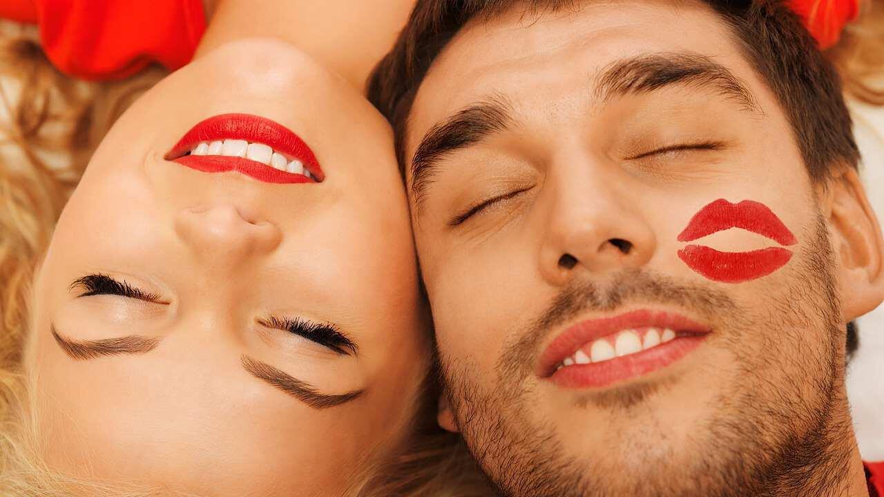 8 Fakta Sains Soal Ketertarikanmu Terhadap Seseorang, Kamu Banget Kah?