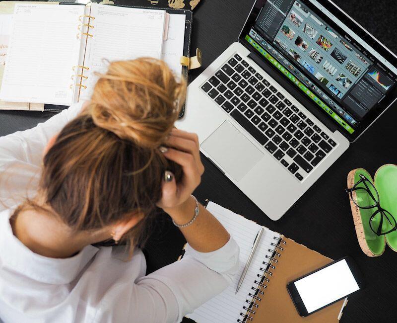 Sering Jadi Kambing Hitam di Kantor? Mungkin 5 Hal Ini Penyebabnya