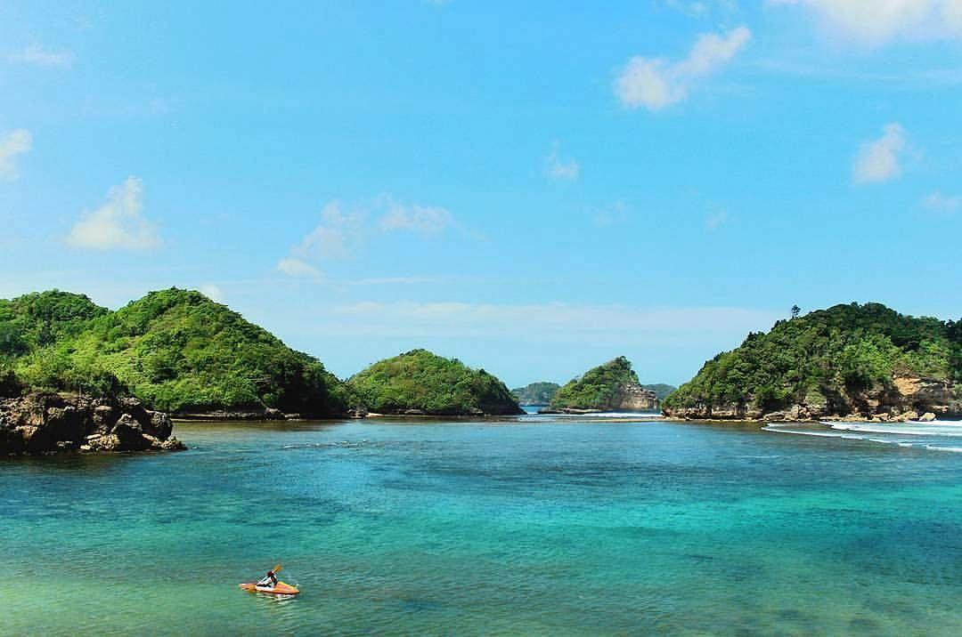 Eksotis Banget, 5 Pantai Indah di Malang Ini Wajib Kamu Kunjungi