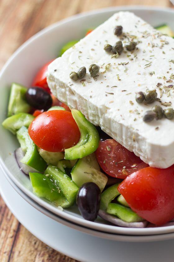 Mirip Gado-gado, Ini Dia 9 Salad dari Penjuru Dunia yang Enak Banget!