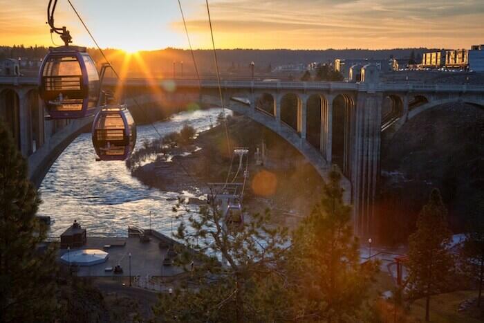7 Gondola Tertinggi di Dunia, Bisa buat Melamar Pasangan Nih!