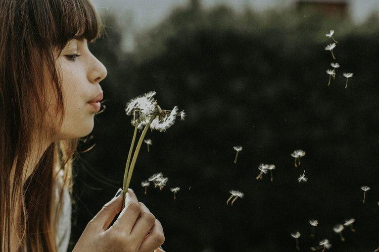 5 Alasan Kenapa Kamu Harus Peduli pada Kesulitan Orang Lain