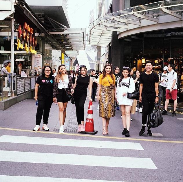 Bak Adik Kakak, 9 Potret Keseruan Aurel dan Ashanty di Malaysia